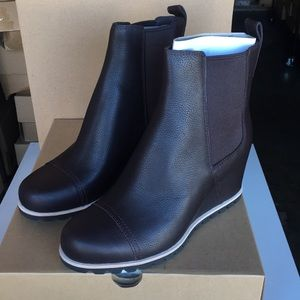 62a339f6f8d3 UGG Shoes - ❤️New Ugg Pax Leather Bootie boots Sz 8.5
